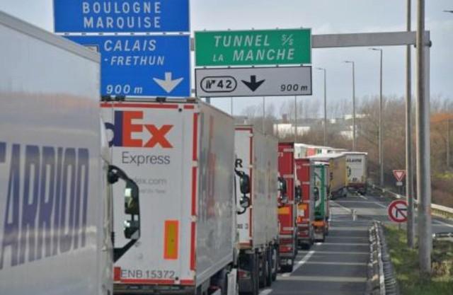 Francia realiza ensayos en el puerto de Calais para prepararse ante un posible Brexit duro