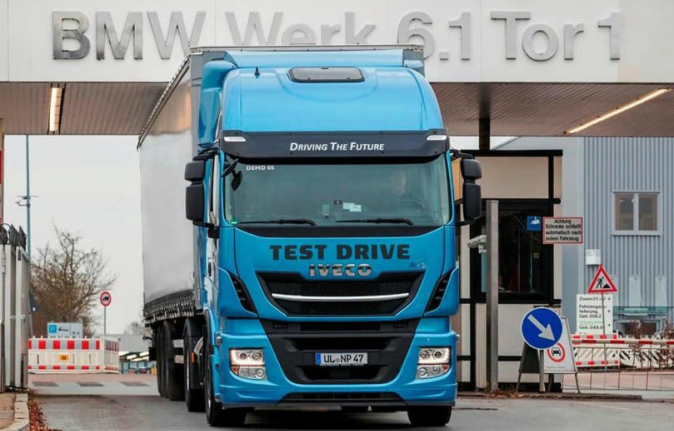 Un estudio revela que los camiones a gas contaminan cinco veces más que los diésel
