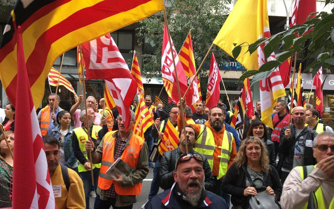 UGT y CCOO mantienen la huelga de transporte de mercancías en Barcelona