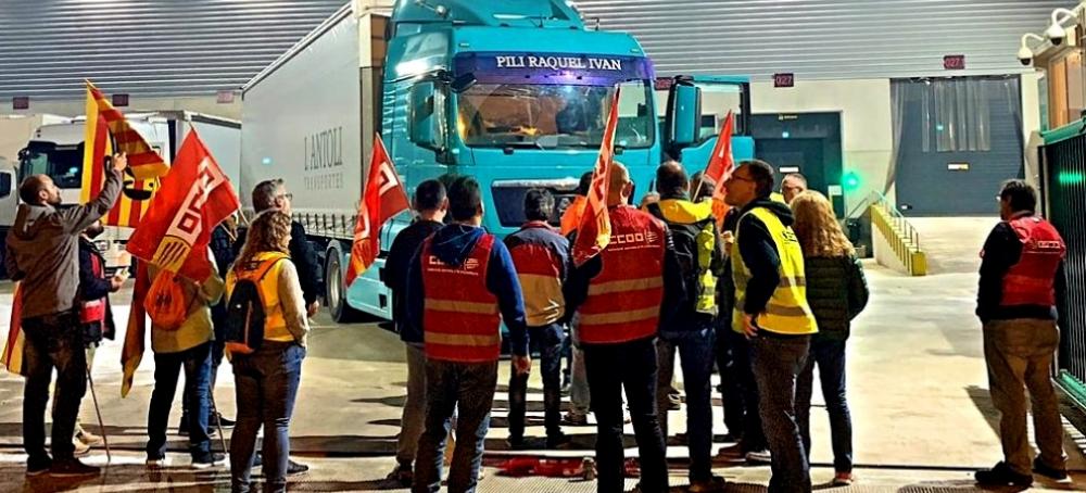 El seguimiento de la huelga de transporte de mercancías en Barcelona alcanzó el 10%