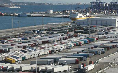 CETM Frigoríficos denuncia los retrasos que sufren los transportistas en el Puerto de Algeciras