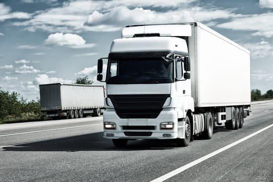El Gobierno de Navarra margina a los vehículos pesados: implantará peajes en la N-121-A solo para camiones