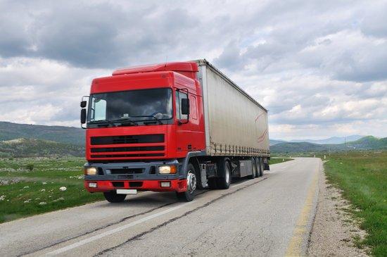 Los vehículos de transporte con algún certificado caducado podrán circular en España durante la crisis del coronavirus