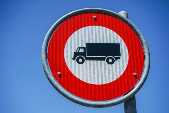 La DGT levanta de manera excepcional las restricciones a camiones a partir de mañana sábado