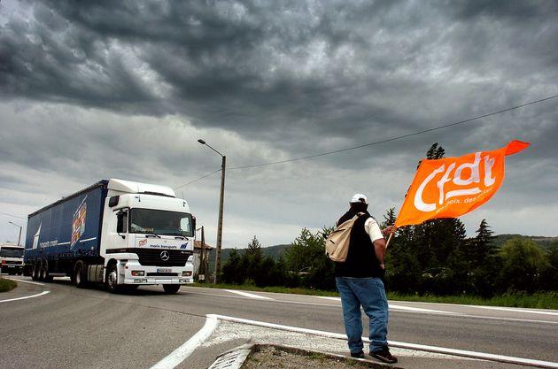 Los sindicatos franceses se cansan del olvido del Gobierno y convocan una huelga de transporte el próximo 7 de mayo