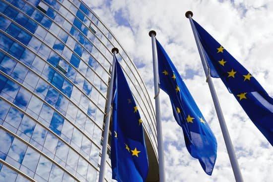 La Unión Europea aprueba las prórrogas de las tarjetas CAP, ITVs y permisos de conducir