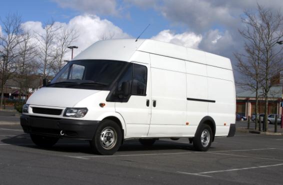 Francia sancionará con multas de hasta 3.000 euros la realización del descanso semanal y diario en los vehículos ligeros