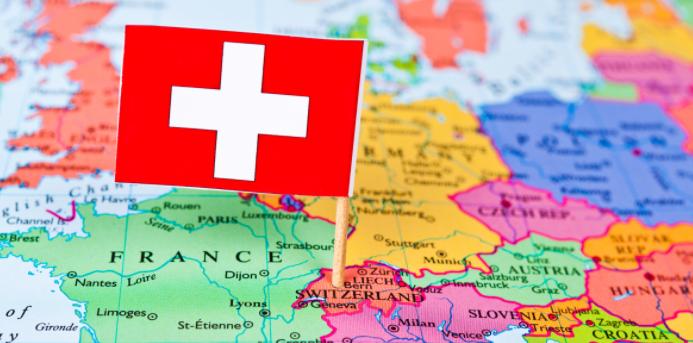 Suiza, el último país en exigir el registro electrónico para entrar en su territorio
